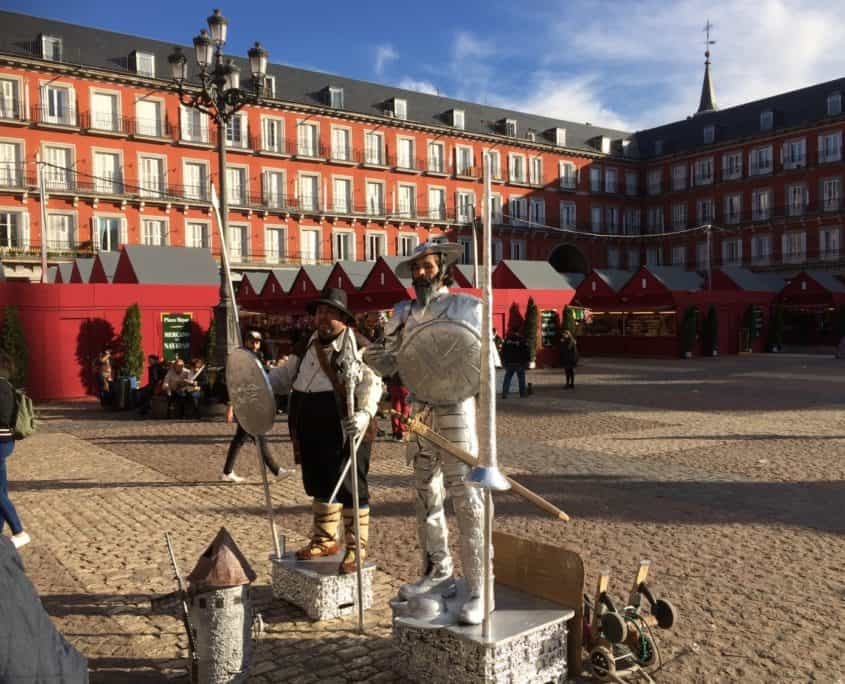 Don Quijote und Sancho Panza auf Plaza Mayor