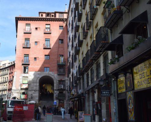 Zugang zur Plaza Mayor Arco de los Cuchilleros