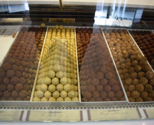 Chocolatería San Ginés - verschiedene Arten von Trufas