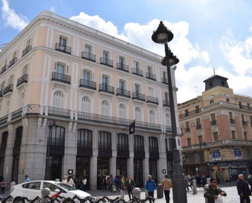 Ehemaliges Grand Hotel de Paris - heute Apple-Filiale
