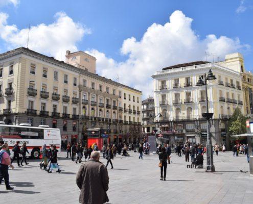 Links Casa Cordero an der Puerta del Sol