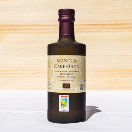 500 ml bottle of organic cold-pressed extra virgin olive oil, made from cornicabra olives