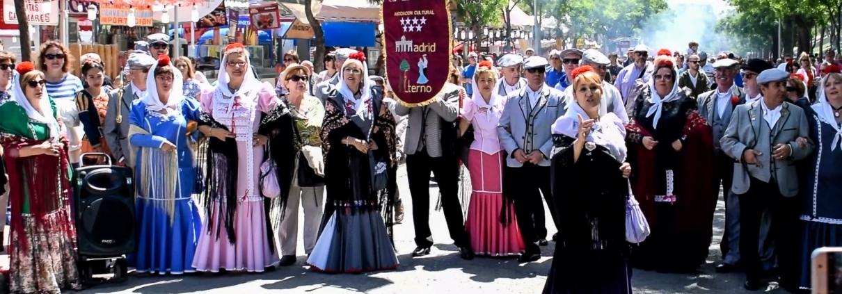 Chulapos y Chulapas de la Asociación Madrid Eterna
