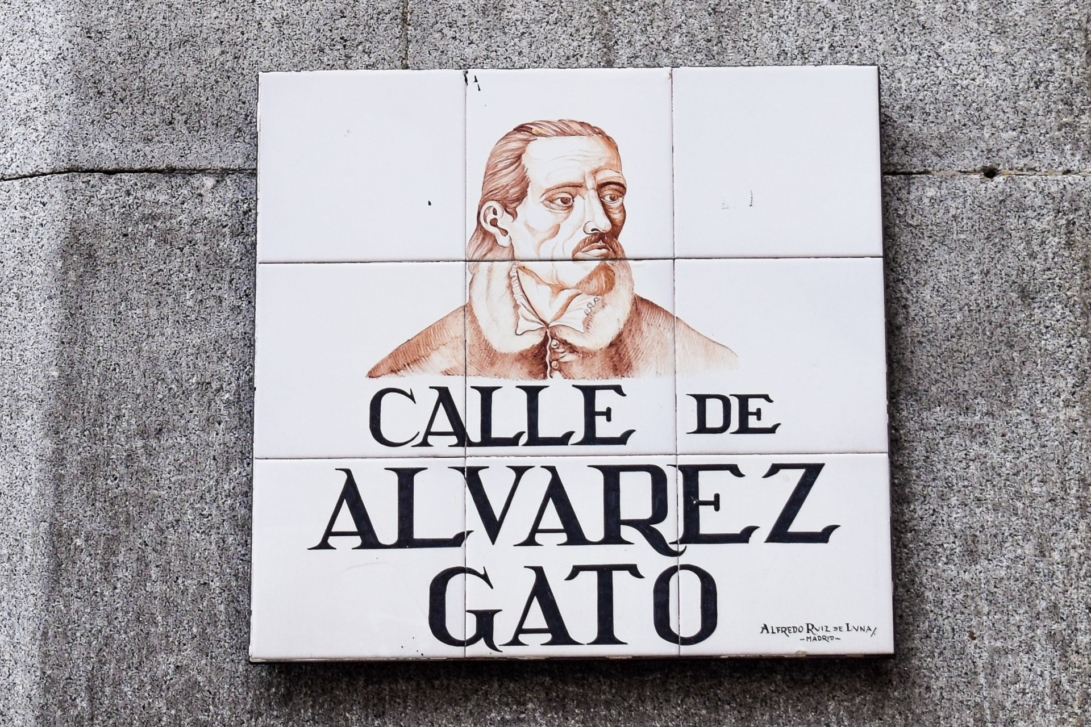 Straßenschild Álvarez Gato