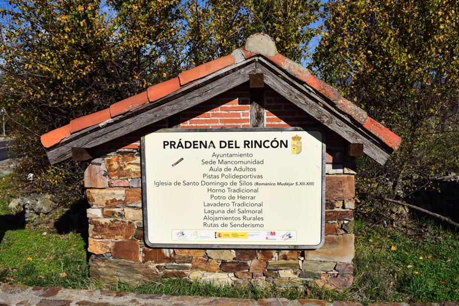 Willkommensschild am Ortseingang von Prádena del Rincón