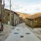 Straße mit typischen Häusern in La Hiruela