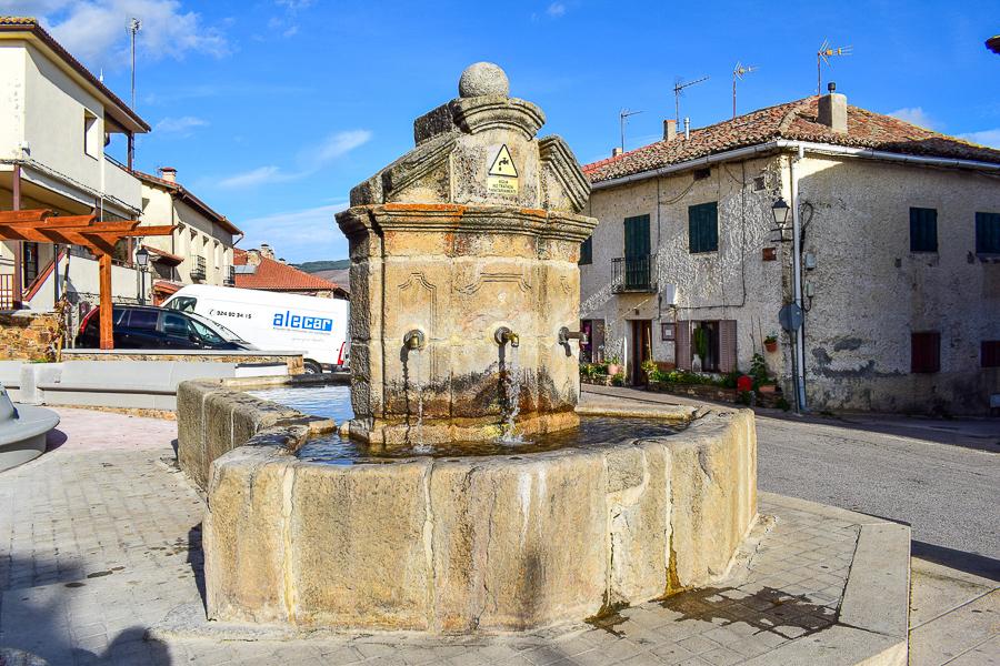 Der Brunnen Fuente de los tres Caños
