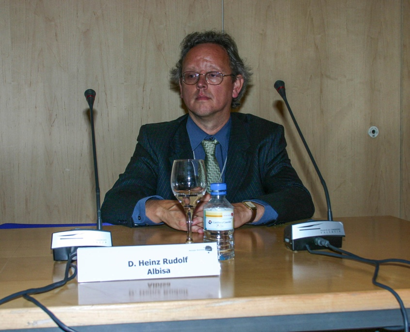 Heinz Rudolf bei einem Vortrag auf dem Manager Businees Forum in Valencia 2004